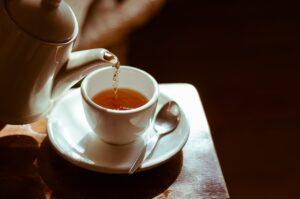 7 Benefícios do Chá de Alecrim para Idosos