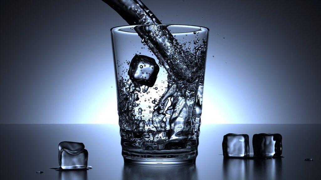 8 Copos e água ao Dia